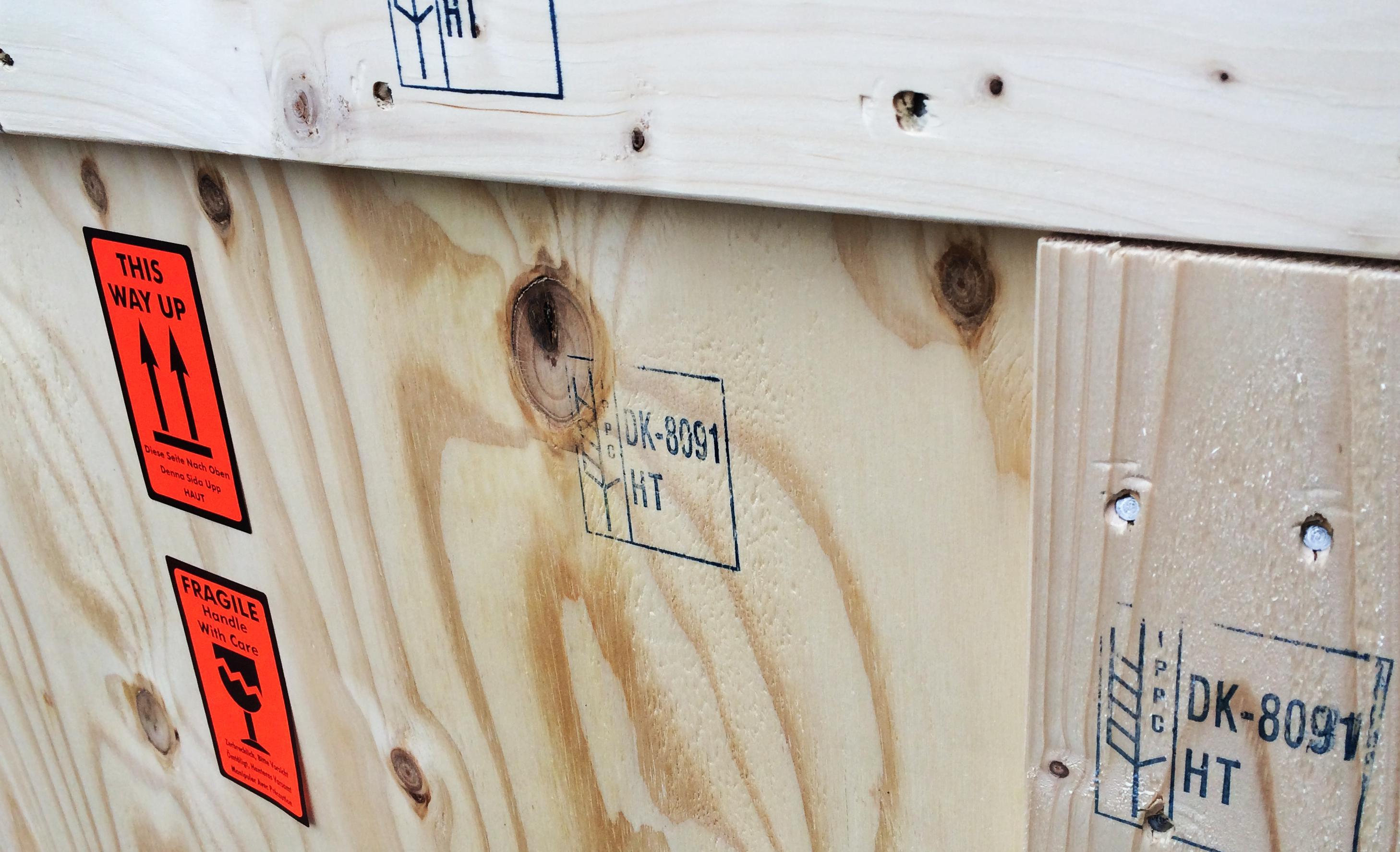 Trækasse med ISPM 15 mærkning