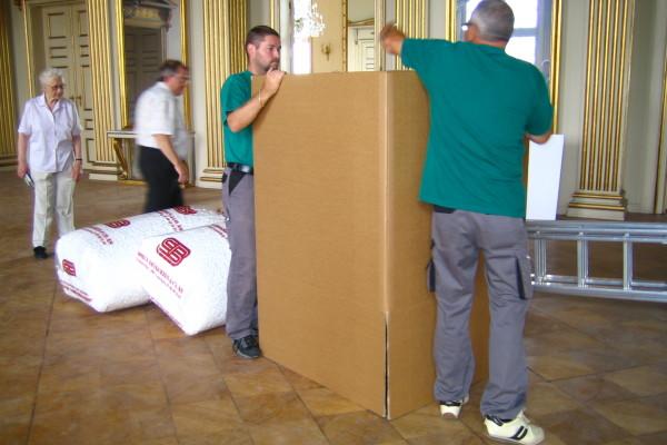 Nedpakning af prismekroner fra Frederik VIIIs Palæ_00001
